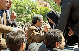 حمله کیهان به خاتمی و دفاع بهار