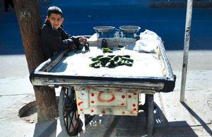 ماجرای ایرانیان غریبه با گیلاس و هندوانه